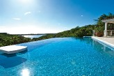 SEA VOUS PLAY... Private, comfortable 4BR villa with views to Saba and beyond